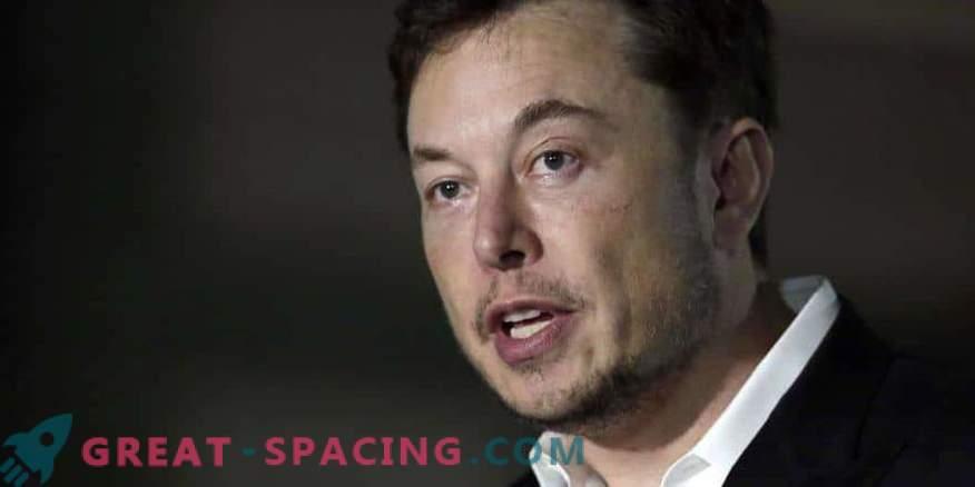 Ilon Musk ha ribattezzato di nuovo il razzo Martian