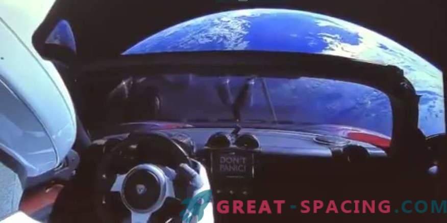 Straordinario video di Tesla lanciato nello spazio