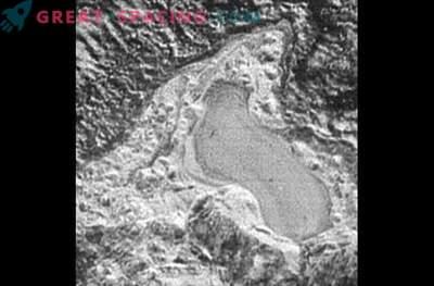 Plutone ha laghi di azoto che si congelano e si sciolgono