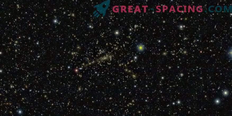 La legge segreta dell'evoluzione dei cluster galattici