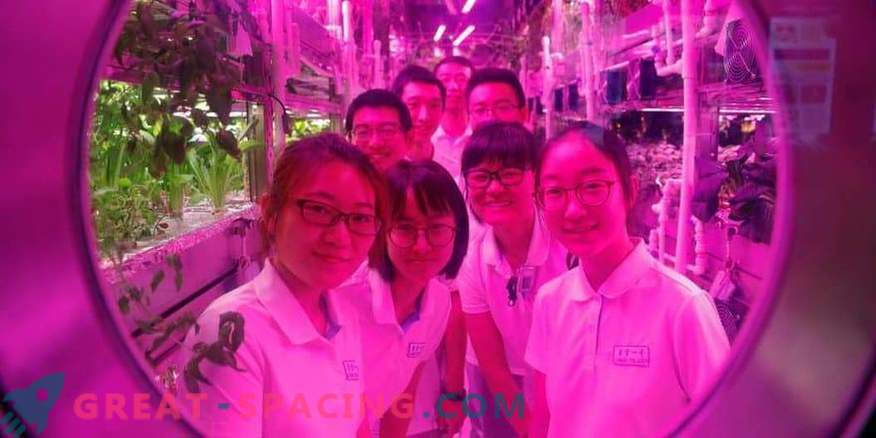 I volontari cinesi hanno trascorso 200 giorni in una