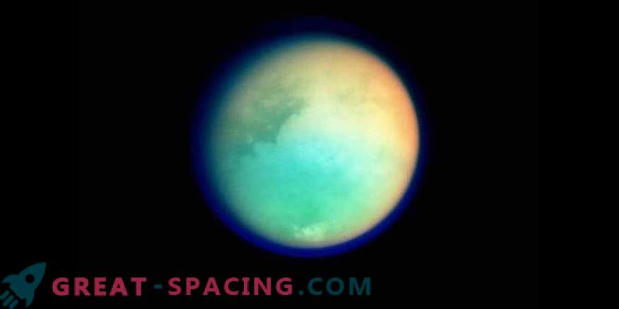 Saturn's Titan Satellite mostra Fresh Fallout