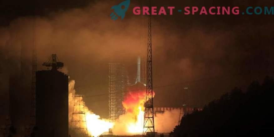 Il lancio di un satellite cinese annuncia una missione sul lato oscuro della luna