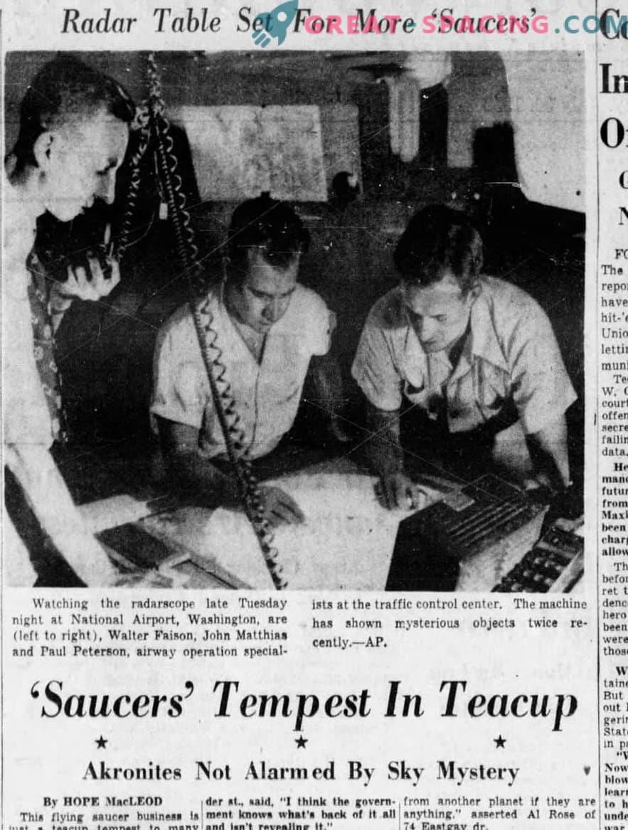 Come descritto da oggetti non identificati nel 1952 a Washington. Articoli di giornale