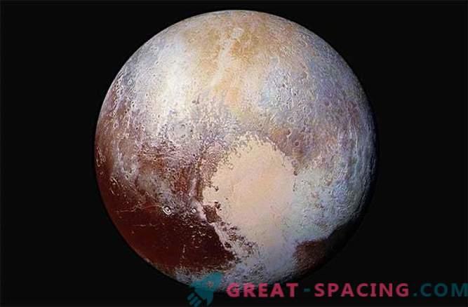 Le foto di Plutone mostrano la complessa geologia del pianeta nano
