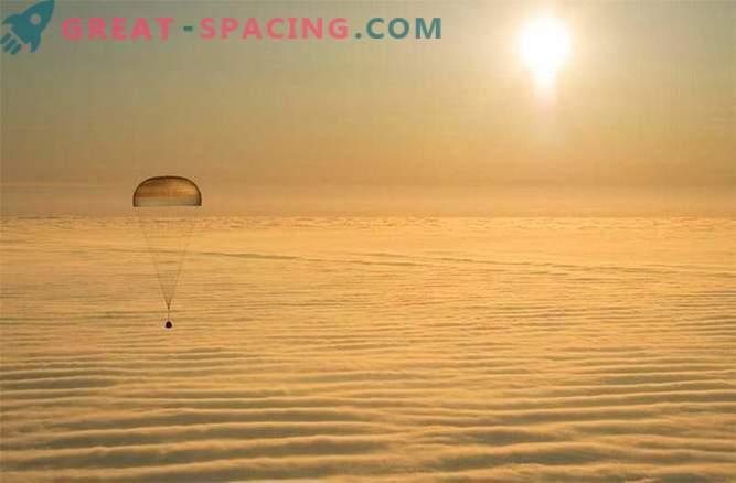 L'equipaggio della ISS è atterrato con successo