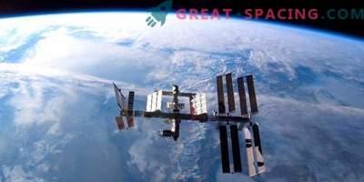 I cosmonauti russi hanno compiuto una passeggiata nello spazio