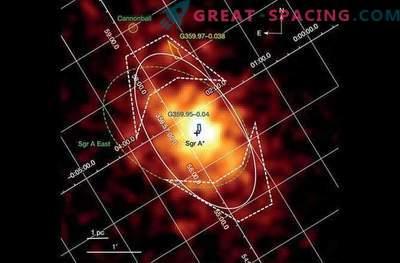 Gli astronomi hanno scoperto un enorme cimitero di stelle attorno a un buco nero