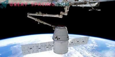 Il primo equipaggio di SpaceX volerà non prima del 2019