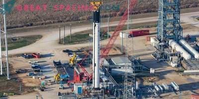 SpaceX ritarda di nuovo il lancio storico dei satelliti