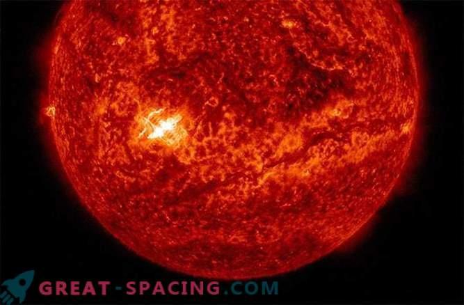 Il sole ha dato origine a un'eclissi radio dopo un lampo mostruoso di classe X