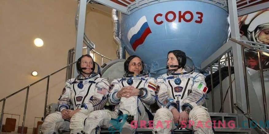 L'Agenzia spaziale russa sta cercando nuovi astronauti per il viaggio lunare