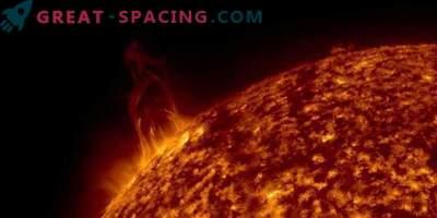 Le eruzioni solari colpiscono la Terra