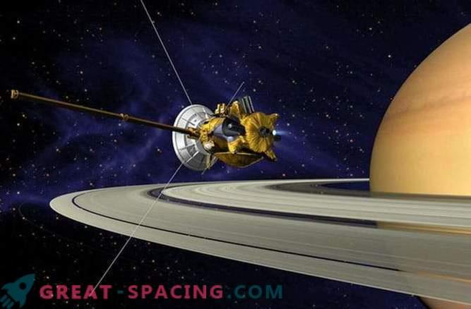La longitudine del giorno su Saturno viene misurata con precisione