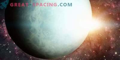 L'influenza del Sole sul cambiamento nella luminosità di Urano
