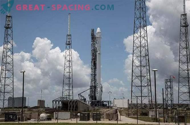 Il vettore di razzi Falcon-9 è esploso 2 minuti dopo il lancio