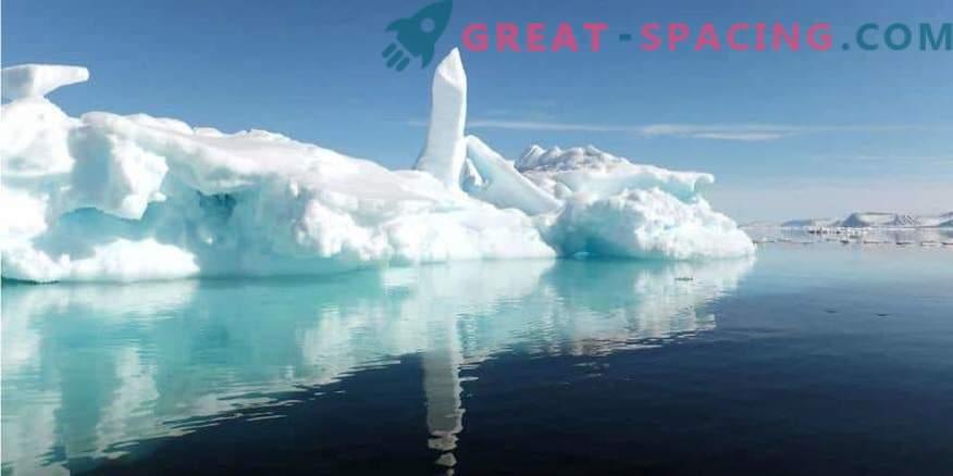 Unter dem Eis der Antarktis sind mysteriöse Gebäude zu sehen! Geheime Basis oder außerirdischer Raumhafen?