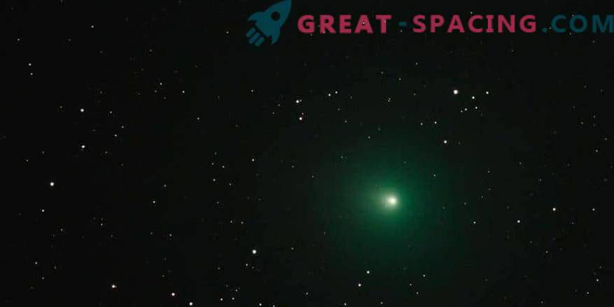 ¿Por qué un cometa de Navidad se ve verde?