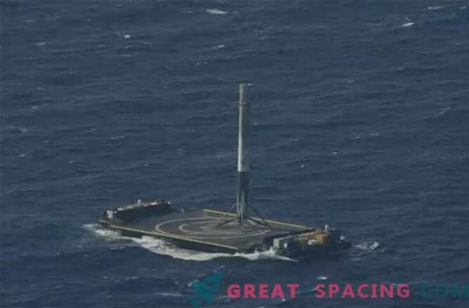 Successo! Il razzo SpaceX Falcon 9 è riuscito ad atterrare nell'oceano