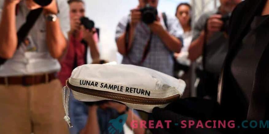 La borsa lunare di Neil Armstrong vende per $ 1,8 milioni